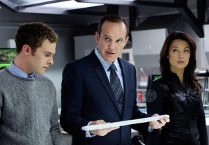 agents_of_shield_thor_cross-over_gallery_primary
