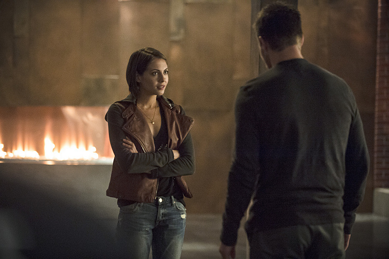 arrow_season-3_episode-5_the-secret-origin-of-felicity-smoak_still-13