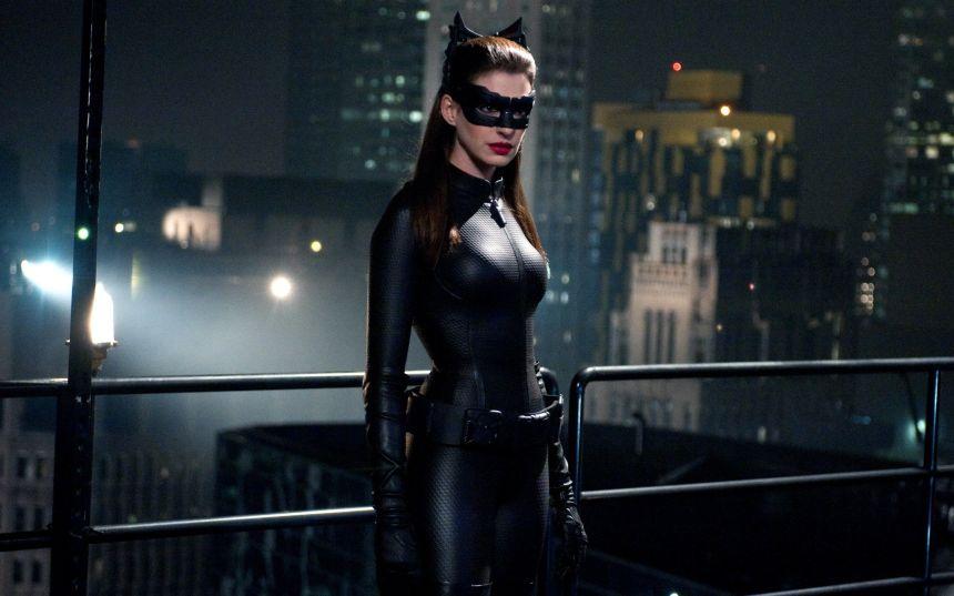 catwoman-the-dark-knight-rises-movie-hd-wallpaper-2560x1600-4729