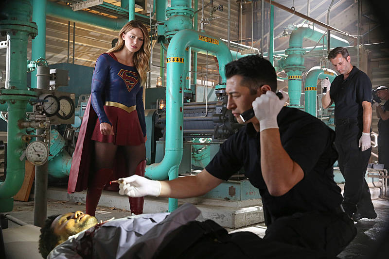 """""""Stronger Together"""" -- When Kara's (Melissa Benoist, left) attempts to help National City don't go according to plan, she must put aside the doubts that she -- and the city's media -- has about her abilities in order to capture an escapee from the Kryptonian prison, Fort Rozz, when SUPERGIRL moves to its regular time period, Monday, Nov. 2 (8:00-9:00 PM, ET/PT) on the CBS Television Network. Photo: Cliff Lipson/CBS ©2015 CBS Broadcasting, Inc. All Rights Reserved"""