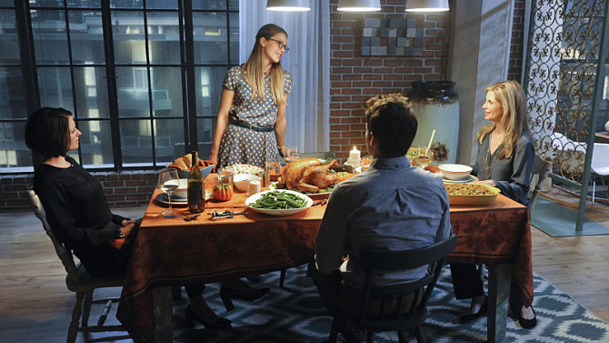 """""""Livewire"""" -- Kara's (Melissa Benoist, center standing) Thanksgiving may be ruined when she suspects her foster mother, Dr. Danvers (Helen Slater, right), who is coming to town, disapproves of her new role as a superhero, on SUPERGIRL, Monday, Nov. 16 (8:00-9:00 PM, ET/PT) on the CBS Television Network. Also pictured: Chyler Leigh (left) and Jeremy Jordan (center seated) Photo: Darren Michaels/Warner Bros. Entertainment Inc. © 2015 WBEI. All rights reserved."""