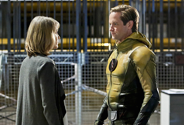 """The Flash -- """"The Reverse Flash Returns"""" -- Image FLA211b_0028b -- Pictured (L-R): Amanda Pays as Christina McGee and Matthew Letscher as Eobard Thawne/Reverse Flash -- Photo: Bettina Strauss/The CW -- © 2016 The CW Network, LLC. All rights reserved."""
