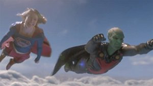 supergirl-goes-flying-with-martian-manhunter-in-ne_gf2p.640