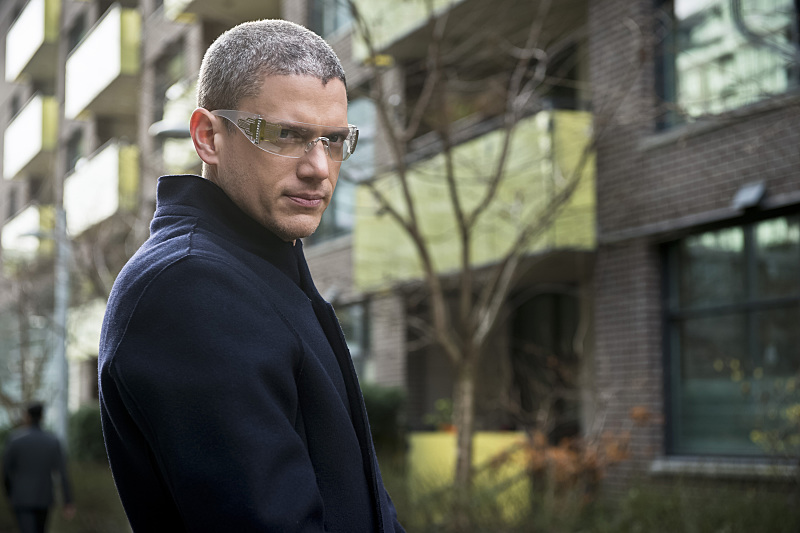 "DC's Legends of Tomorrow -- ""Progeny""-- Image LGN110b_0091b.jpg -- Pictured: Wentworth Miller as Leonard Snart/Captain Cold -- Photo: Diyah Pera/The CW -- © 2016 The CW Network, LLC. All Rights Reserved."