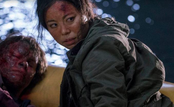 Raft-Fear-The-Walking-Dead-AMC
