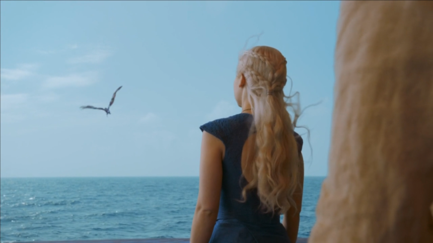 Daenerys-Targaryen-Khaleesi-Blue-Dress-On-Boat-Dragons