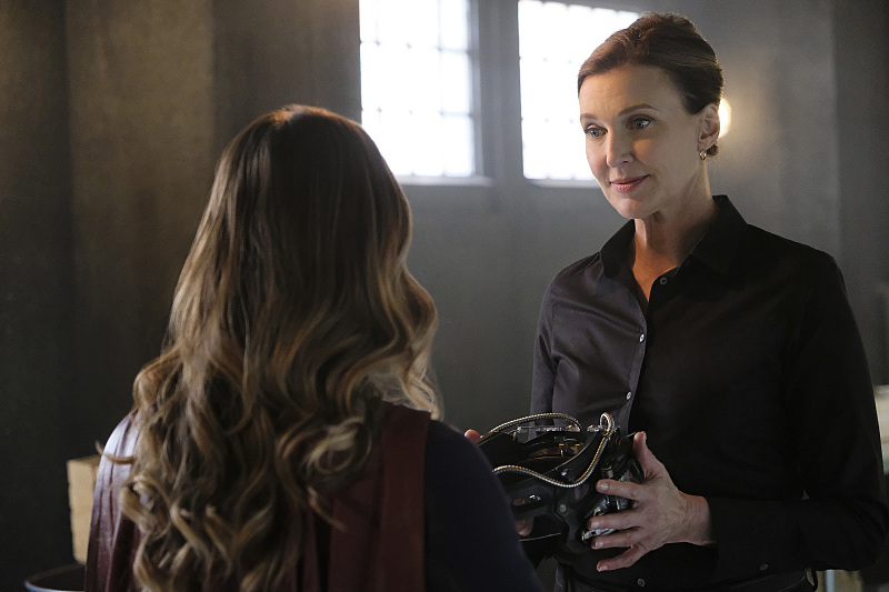"""Supergirl -- """"The Darkest Places"""" -- Image SPG207a_0316 -- Pictured (L-R): Melissa Benoist as Kara/Supergirl and Brenda Strong as The Doctor -- Photo: Robert Falconer/The CW -- © 2016 The CW Network, LLC. All Rights Reserved"""