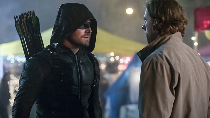 """Arrow -- """"So It Begins"""" -- Image AR506b_0134b.jpg -- Pictured: Stephen Amell as Oliver Queen/The Green Arrow -- Photo: Katie Yu/The CW -- © 2016 The CW Network, LLC. All Rights Reserved."""
