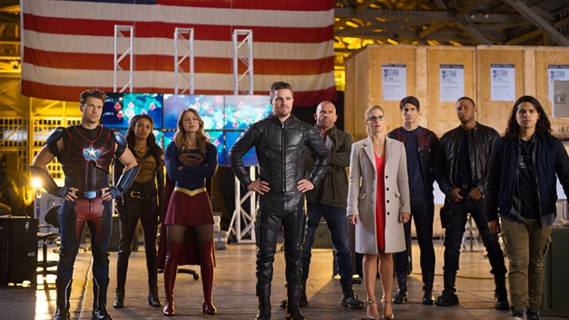 legends-of-tomorrow-season-2-episode-7-invasion-crossover