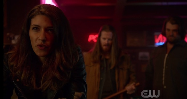 arrow-julia-harkavy-as-black-canary-002-227542