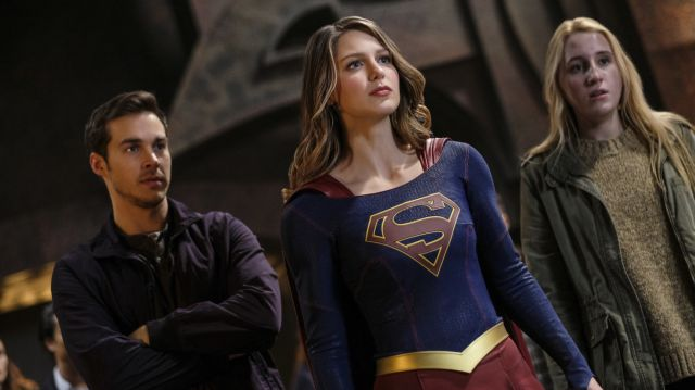 "Supergirl -- ""Supergirl Lives"" -- Image SPG209b_0410.jpg -- Pictured: (L-R) Chris Wood as Mike/Mon-El, Melissa Benoist as Kara/Supergirl and Harley Quinn Smith as Izzy -- Photo: Robert Falconer/The CW -- © 2017 The CW Network, LLC. All Rights Reserved"